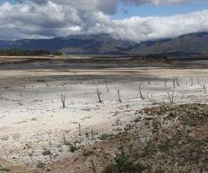 Theewaterskloof dam.jpg